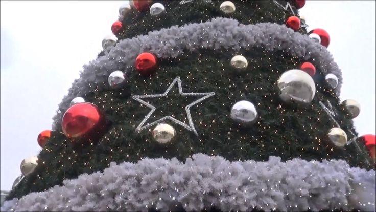 We Wish you a Marry Christmas - Christmas Carol and Xmas Tree