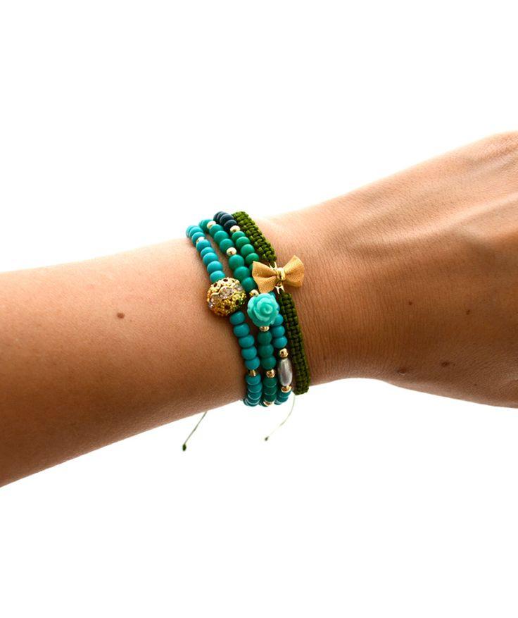 Moño chaquiron Checo Verde - Cuarteto de pulseras. $24.000 COP. Cómpralas aquí-->  https://www.dekosas.com/productos/dulce-encanto-accesorios-para-mujer-pulseras-mono-chaquiron-detalle