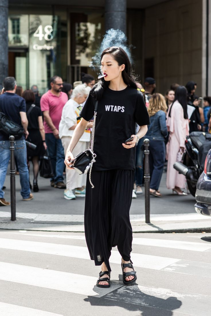 With Haute Couture Week Fall/Winter 2016-2017 underway, our photographer Sandra Semburg is back on the street capturing the best style off the runway.