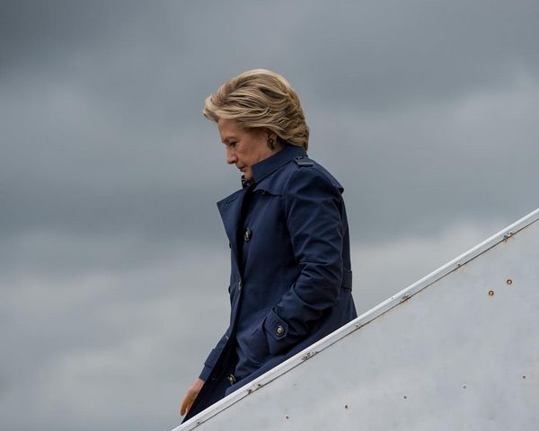 Hillary Clinton Net Worth vs. Bill Clinton Net Worth: Who's Richer? - http://www.morningledger.com/hillary-clinton-net-worth-vs-bill-clinton-net-worth-whos-richer/13120380/