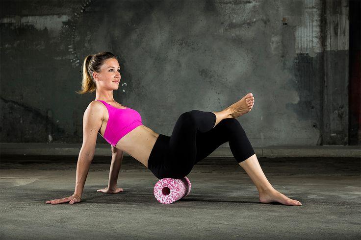 Die BLACKROLL MED ist 20 % weicher als die BLACKROLL Standard und eignet sich sehr für den Einsatz im Yoga und Pilates.  Die BLACKROLL MED ist ein ideales Tool für den Therapiebereich. Für Anfänger oder Personen mit empfindlichen Bindegewebe und erhöhtem Schmerzempfinden ist die BLACKROLL MED ebenfalls zu empfehlen.