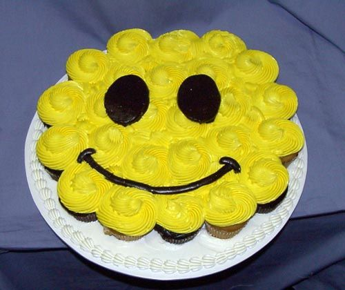 Cupcake Decorating Ideas Smiley Faces : Smiley Face (Cupcake Cakes) Decorated Food Of All Kinds ...