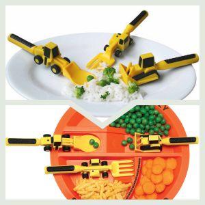 Børnebestik. Forstadiet som gør det let for barnet at lære at spise med kniv og gaffel. Læs mere om produktet på bloggen frubruun.dk