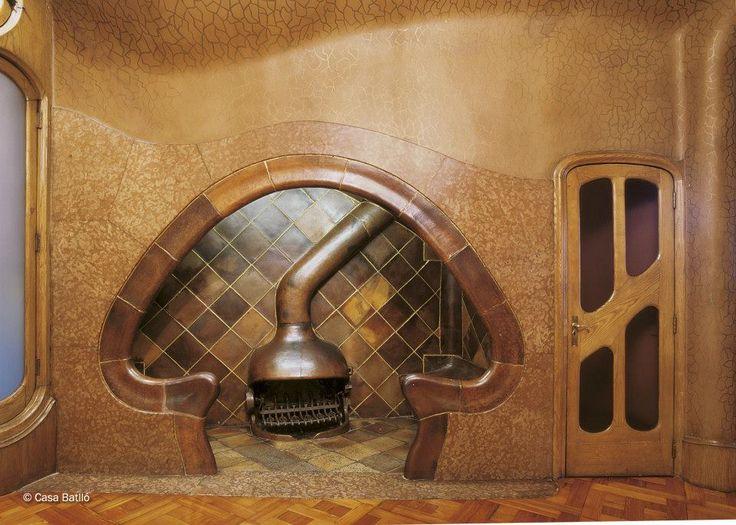 26 best antonio gaudi furniture images on pinterest gaudi antoni gaudi and barcelona spain - Casa vives gaudi ...
