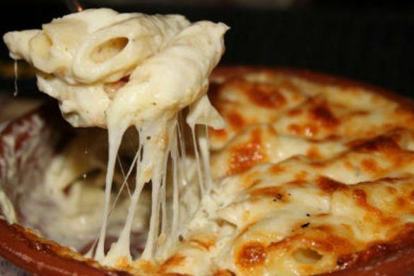 Πέννες αλφρεντό με τυριά - Ένα εύκολο πιάτο με κρεμώδη σάλτσα