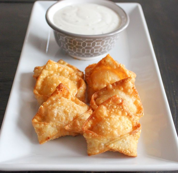 Buffalo Chicken Wontons | Yes to Yolks I'm hoping these are similar to the ones from The Cheesecake Factory
