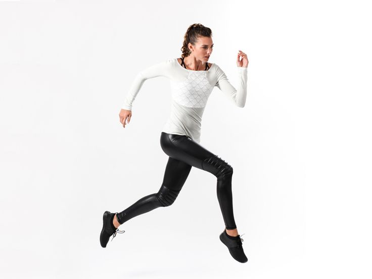 This lifestyle brand allows you to blur the lines between your best performing athletic gear and your most captivating ensemble.
