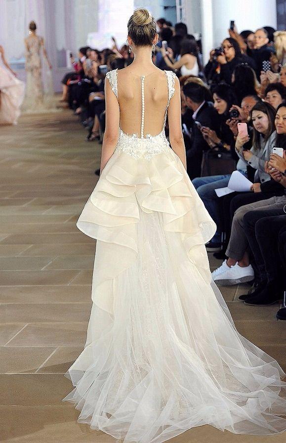 INES DI SANTO(イネスディサント)-03-20076。世界最高峰ブランドのウエディングドレスのレンタル、人気・トレンドのカラードレス、圧倒的にオシャレなメンズのレンタルタキシード、アクセサリー豊富。提携外の結婚式場に持ち込み可能。ドレスの試着にご来店ください。海外挙式への貸出も可能。