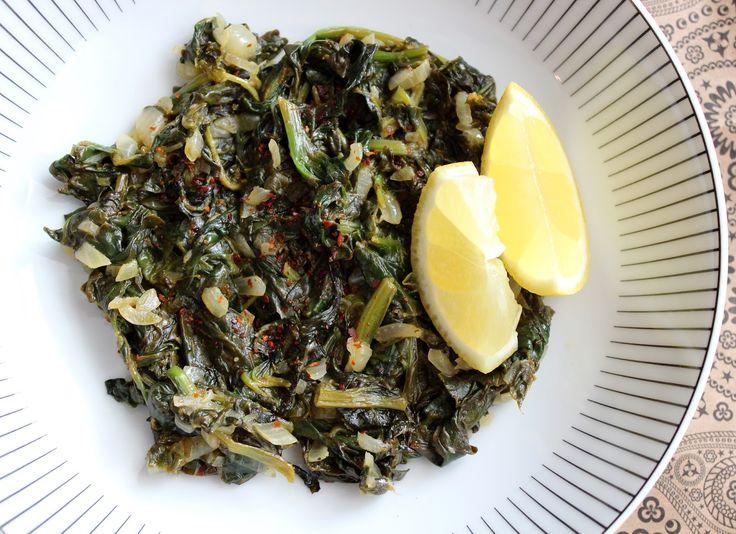 Ispanak kavurma (Dusený špenát s citrónom na turecký spôsob)