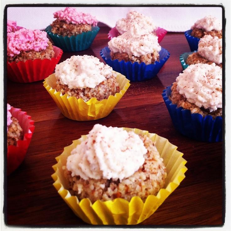 Mini Raw vanilla and coconut cupcakes with macadamia cream