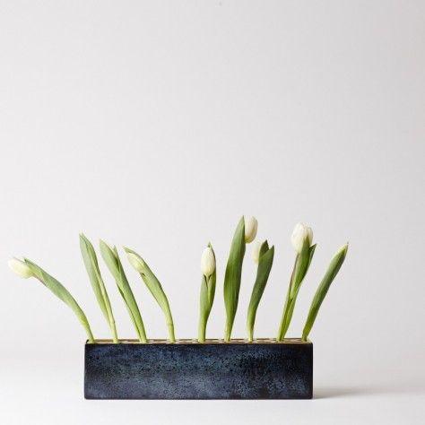 Mjölk : KLONG : EVA SCHILDT : Ang flower Vase long brass - 30514