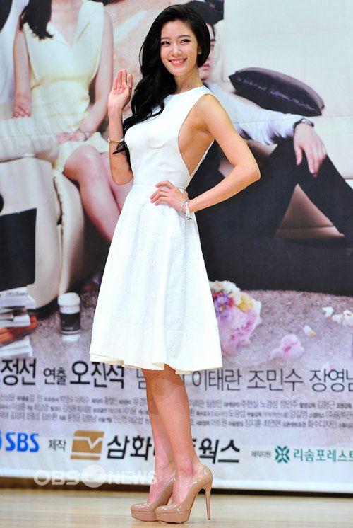 섹시사진+19 섹시여신 클라라 파격적인 속옷 화보 다 벗은 듯한 착시까지 sorabang02.com