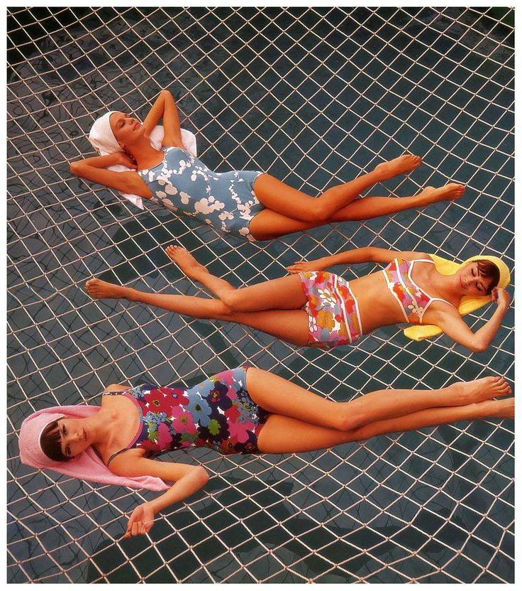 "Marola Witt, Katherine Pastrie and model at the swimming pool on the cruise ship ""Hanseatic"", published in Constanze Mode, Spring:Summer 1964"