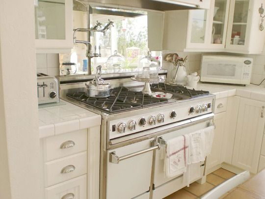 Kitchen Design Ideas With White Appliances: 43 Best Images About White Appliances On Pinterest