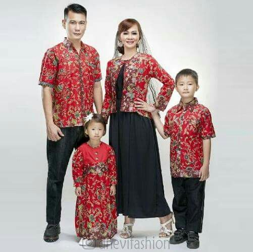 Batik keluarga set azizah gentong merah  #grosirbatik #distributorbatik #batiksolomurah #batikmurah #batiksolo #pekanbaru #batikcouple #sarimbit #blus #couplebatik #palembang #lampung #couple #medan #sarimbit #dhevifashion #grosirbaju