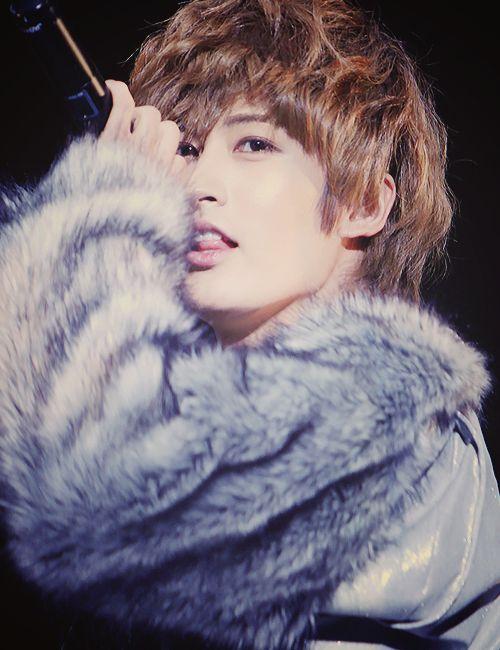 Block B - Jaehyo's peek-a-boo tongue