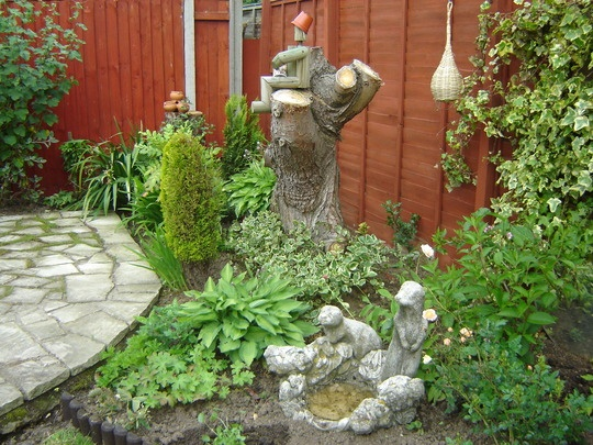 61 best images about tree stump uses on pinterest for Tree trunk uses