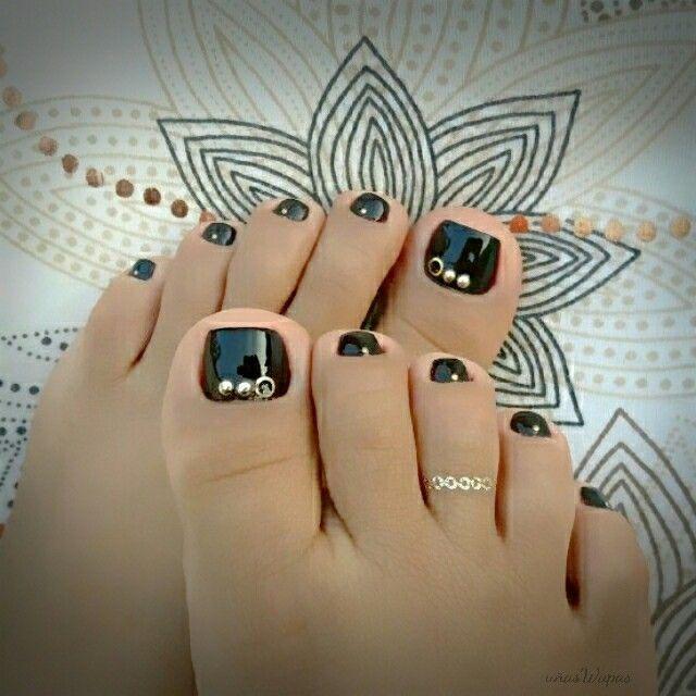 #pies,#piesdecorados,#uñaswapas,#uñaswapaspies,#blacknails,#vinotinto,#pedicure