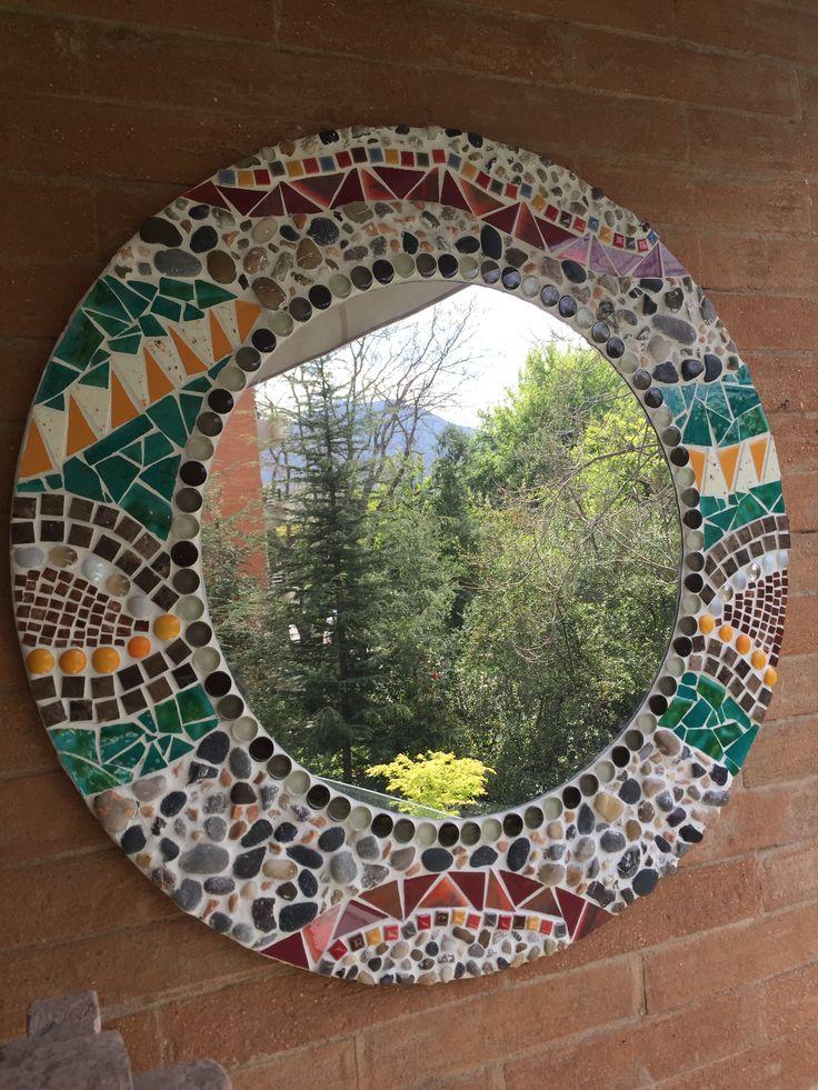 Mosaico Mandala espejo central cerámico piedras fragüe arcilla