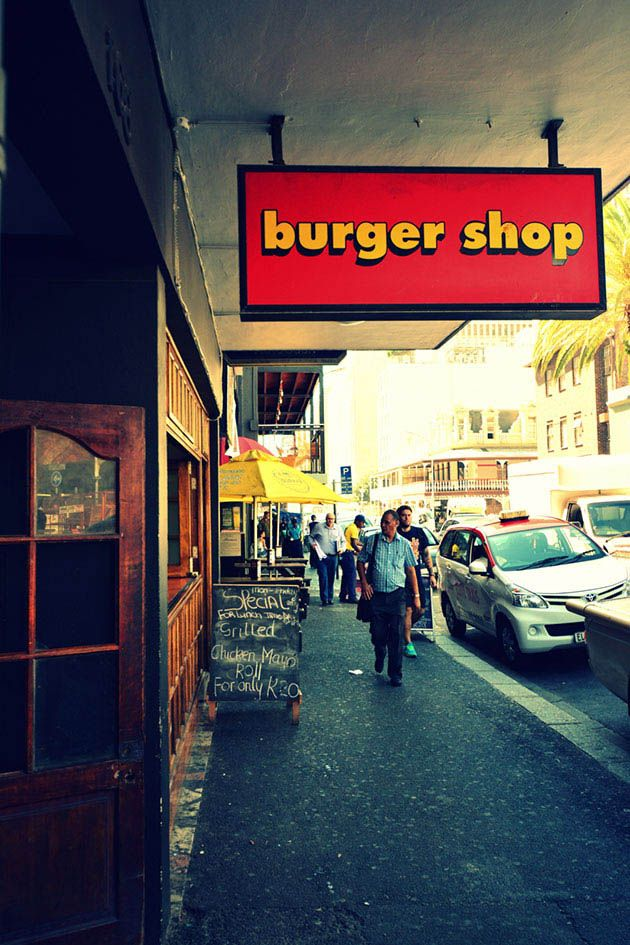 If you plan on taking a stroll down Long Street, be sure to come hungry. You'll be spoilt for choice with all the great restaurants, bars, coffee shops and bars. You're bound to find something you'll like. http://www.citysightseeing.co.za/