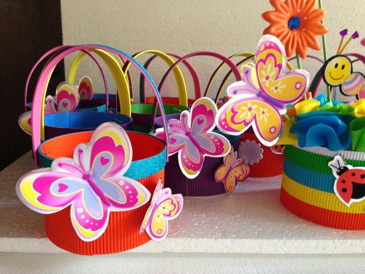 DECORACIONES INFANTILES: mariposas y flores