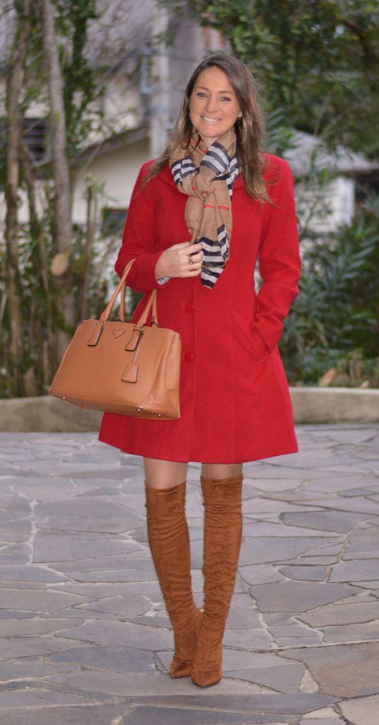 Look do dia - look de trabalho - ootd - outfit for work - look de inverno - look de frio - fall outfit - winter outfit - bota- boots - casaco vermelho - red coat - bota caramelo - camel - Otk - over the knee