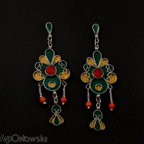 stylized on Berber/ Tuareg silver earrings with silver filigree, coral and EF color enamel