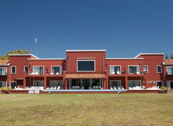 Ducha Mixta Gimnasio:Incluye acceso libre al Spa Aguaribay, saunas, ducha escocesa, sala de