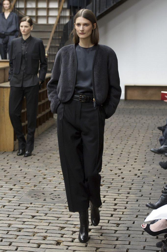 lemaire_1026_aw14_pw_copia_136444590_north_1382x_black
