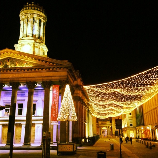 Glasgow's museum of modern art at night. It is a great place to relax right next to all the best shops in the City Centre.