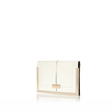 White textured travel wallet £10.00 #riverisland