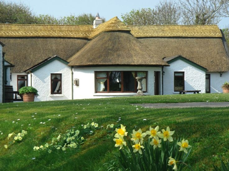20 best cottages ireland thatched seaside cottages images on