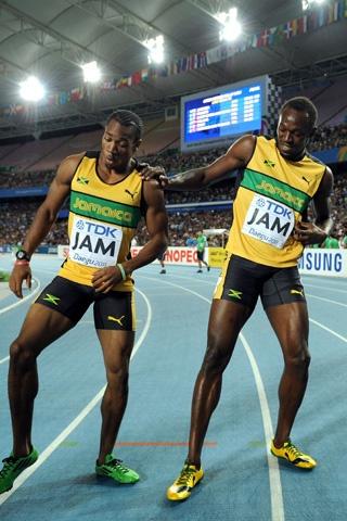 bolt et blake fêtent leur victoire sur 100 m  jeux olympiques londres 2012 #friends #JO