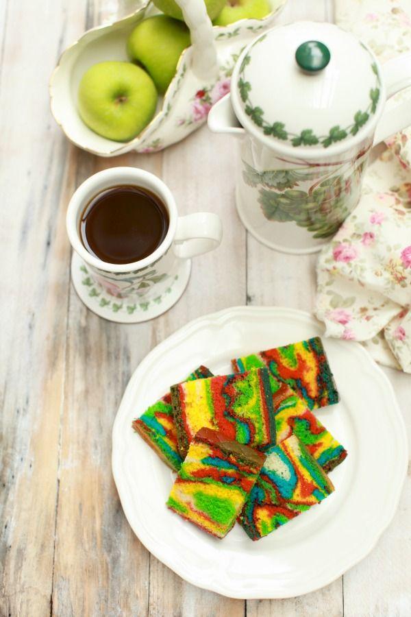 Kek Minyak.. Ramai kawan-kawan yang dah buat kan..? Ita baru berkesempatan nak membuat kek ni.. Kek yang menjadi fenomena di alam maya. ...