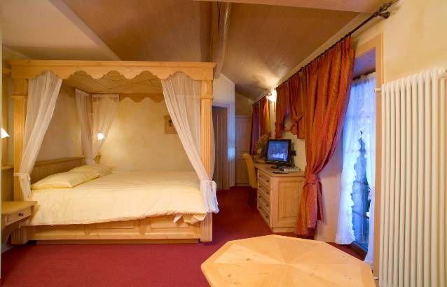 http://www.hotel-livigno.com/hotel-dettaglio/24/Hotel-Capriolo