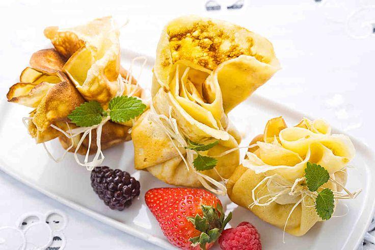 Sakiewki naleśnikowe z owocami #smacznastrona #przepisytesco #sakiewki #naleśnikiwe #zowocami #mniam