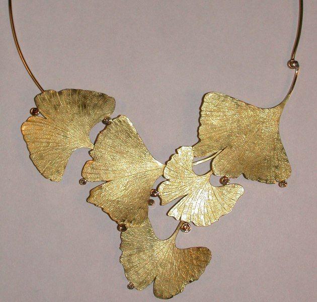 GABRIELLE'S AMAZING FANTASY CLOSET | Lavish Yellow Gold Gingko Leaf Necklace |