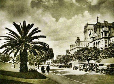 1929 - Vale do Anhangabaú. No alto do edifício podemos ver a propaganda da atriz Billie Dove.