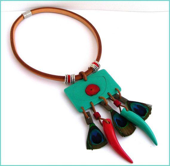 Collier plastron - Cuir épais Camel ,plumes, piments , métal - Turquoise, Orange