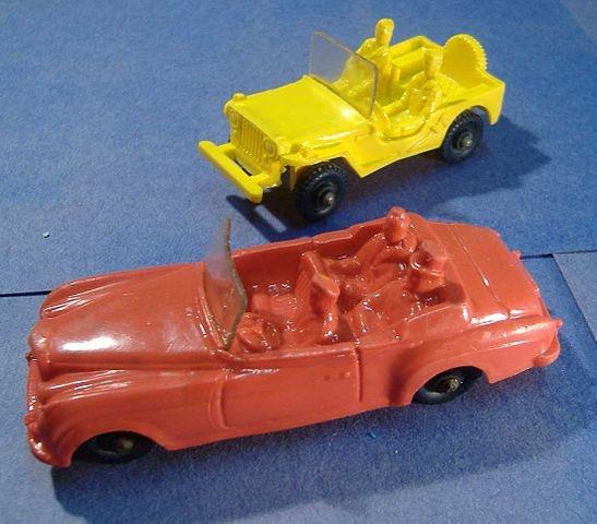 Ik had heel wat van dit soort zachtplastic autootjes, o.a. een VW bus