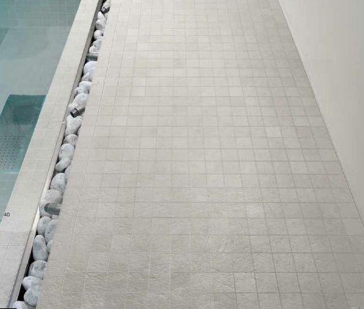 Rivestimento piatto doccia in muratura con mosaico in gres ...