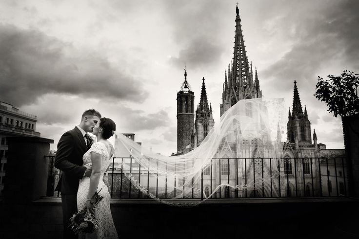 Wedding photography in barcelona. Elopement in Barcelona