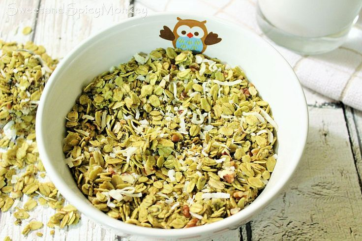 Matcha Quinoa Granola. Oh did I mention gluten-free and paleo friendly too? Yes it is! Recipe here ~ http://sweetandspicymonkey.blogspot.com/2015/08/matcha-quinoa-granola.html  #breakfast   #granola   #healthyeating