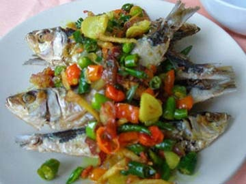 Indonesian Recipe: Ikan Asin Tumis Rempah