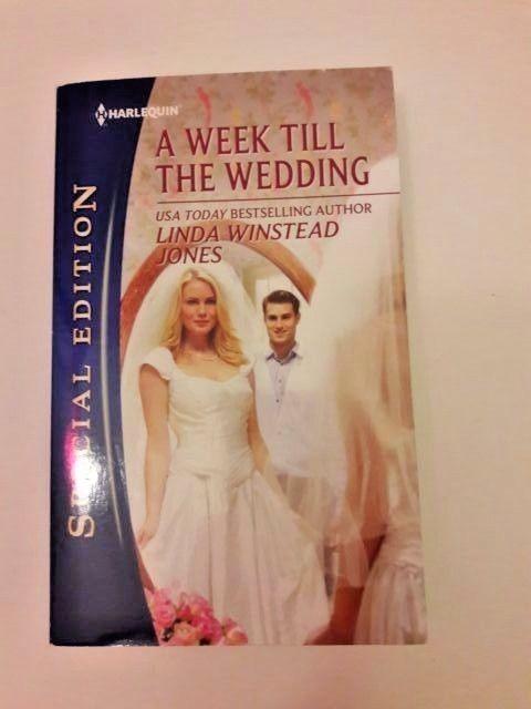 A Week Till the Wedding Harlequin Romance Paperback Novel English 2012