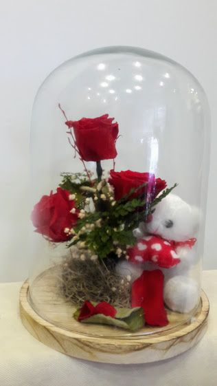 BΒeauty and the Beast Enchanted Rose in Glass triantafilla gia panta Preserved roses -forever roses in glass 30cm h