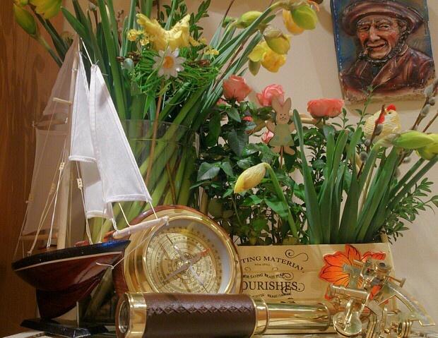 Wesołych Świąt Wielkanocnych, rodzinnych spotkań, wiosny, słońca, uśmiechów, radości, miłości, świątecznego koszyczka, wielkanocnego zajączka, mnóstwa pisanek, pysznych mazurków, nowych postanowień, mokrego Dyngusa - wszelkiej Pomyślności! Happy Easter! God påske! Joyeuses Pâques! ¡Felices Pascuas! Frohe Ostern! Fukkatsu-sai omedetō gozaimasu! :)