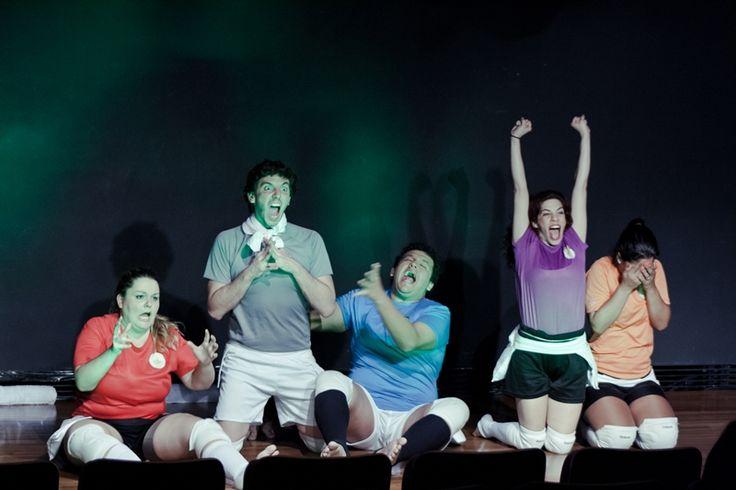 """O Sesc Casa da Gávea tem edição especial do Ciclo de Leituras Dramatizadas neste mês de Copa do Mundo. O tema das sessões são """"Futebol e Teatro, o jogo"""", com eventos todas as segundas-feiras e que levará ao palco textos de Nelson Rodrigos Filho, entre outros. A entrada é franca."""