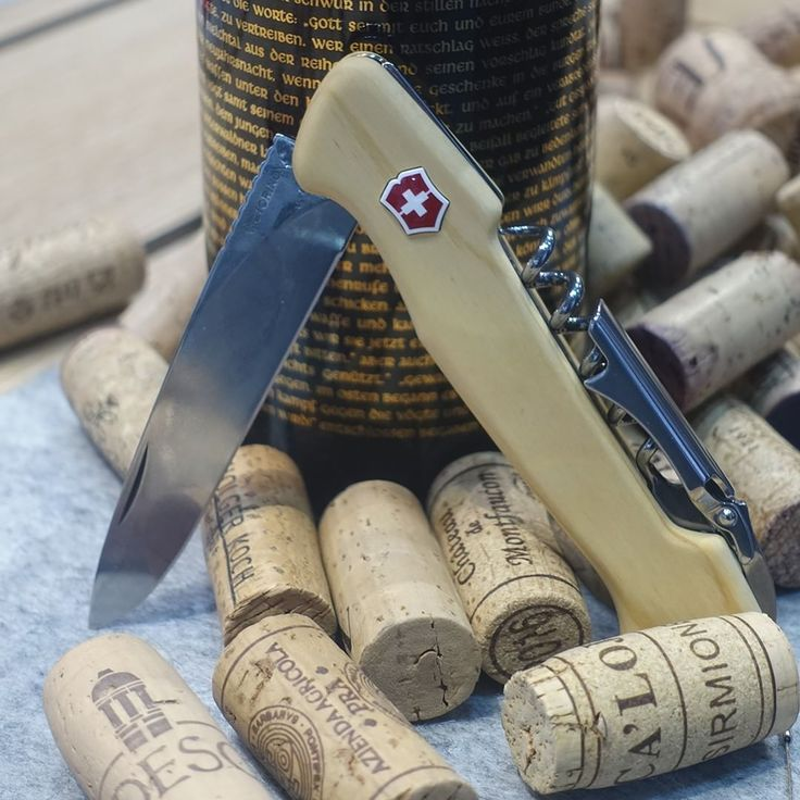 "84 Beğenme, 2 Yorum - Instagram'da Victorinox AG (@victorinox): ""Pocket Knife for Wine Connoisseurs Fine wine deserves a tool that was created with perfection. Meet…"""