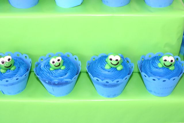 Adorable cupcakes from a Frog birthday party #frogparty #cupcakes